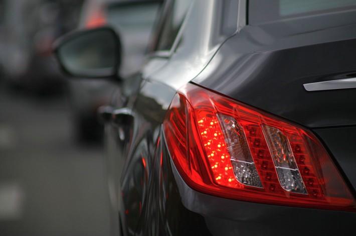 Zastosowanie klejów termotopliwych w przemyśle samochodowym